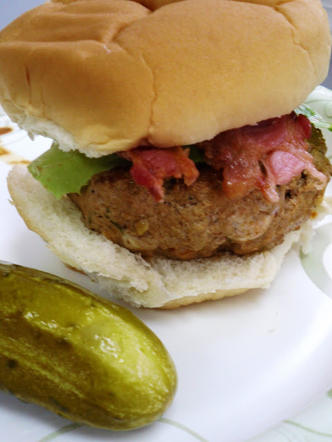 Rachel B. cooks...: Buffalo & Blue Cheese Stuffed Turkey Burger