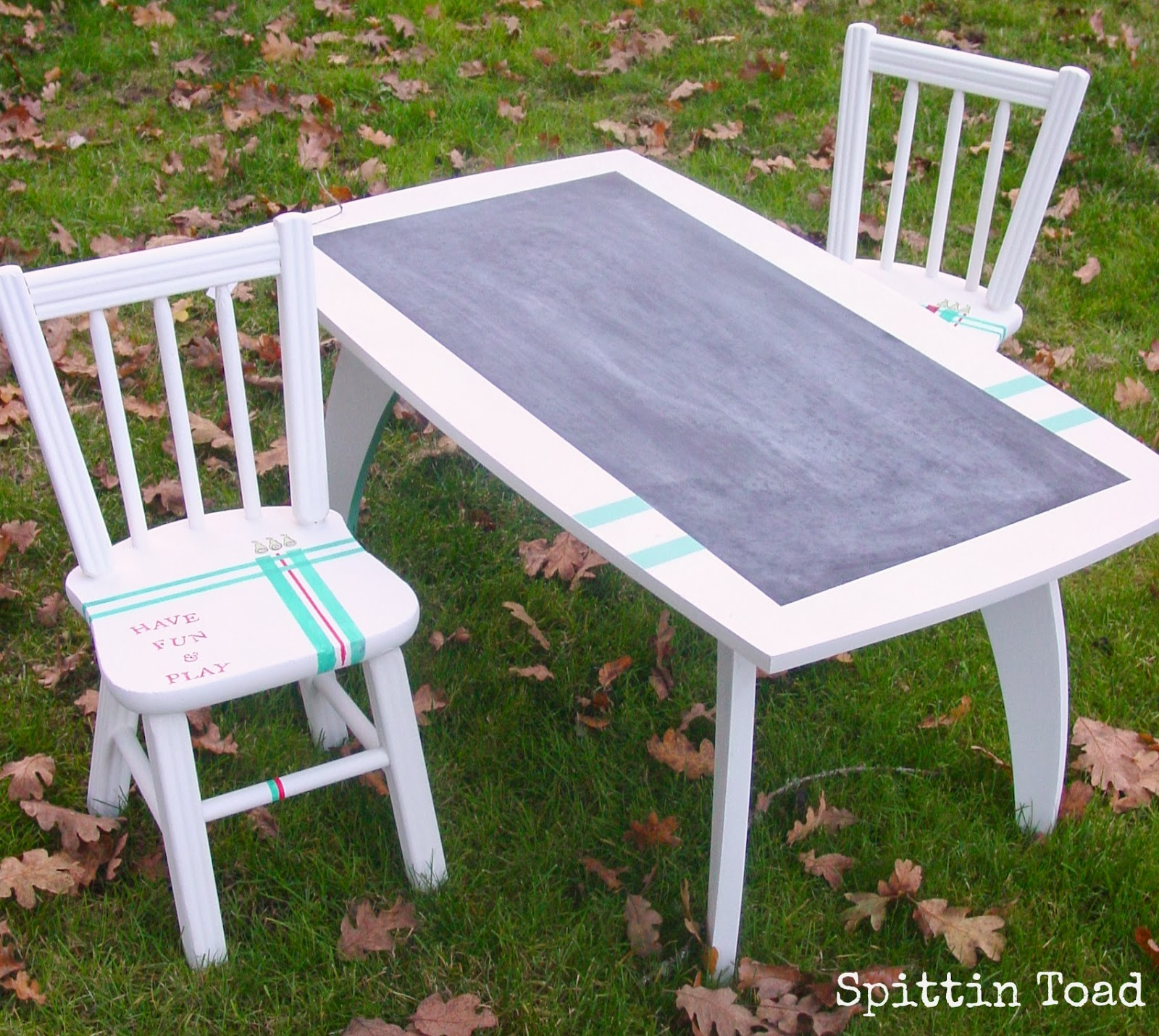 Spittin Toad Chalkboard Table And Chairs