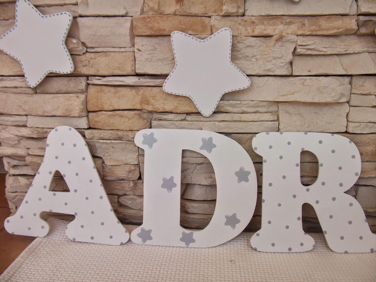 Decoraci n infantil pekerines letras de madera para - Estrellas decoracion infantil ...