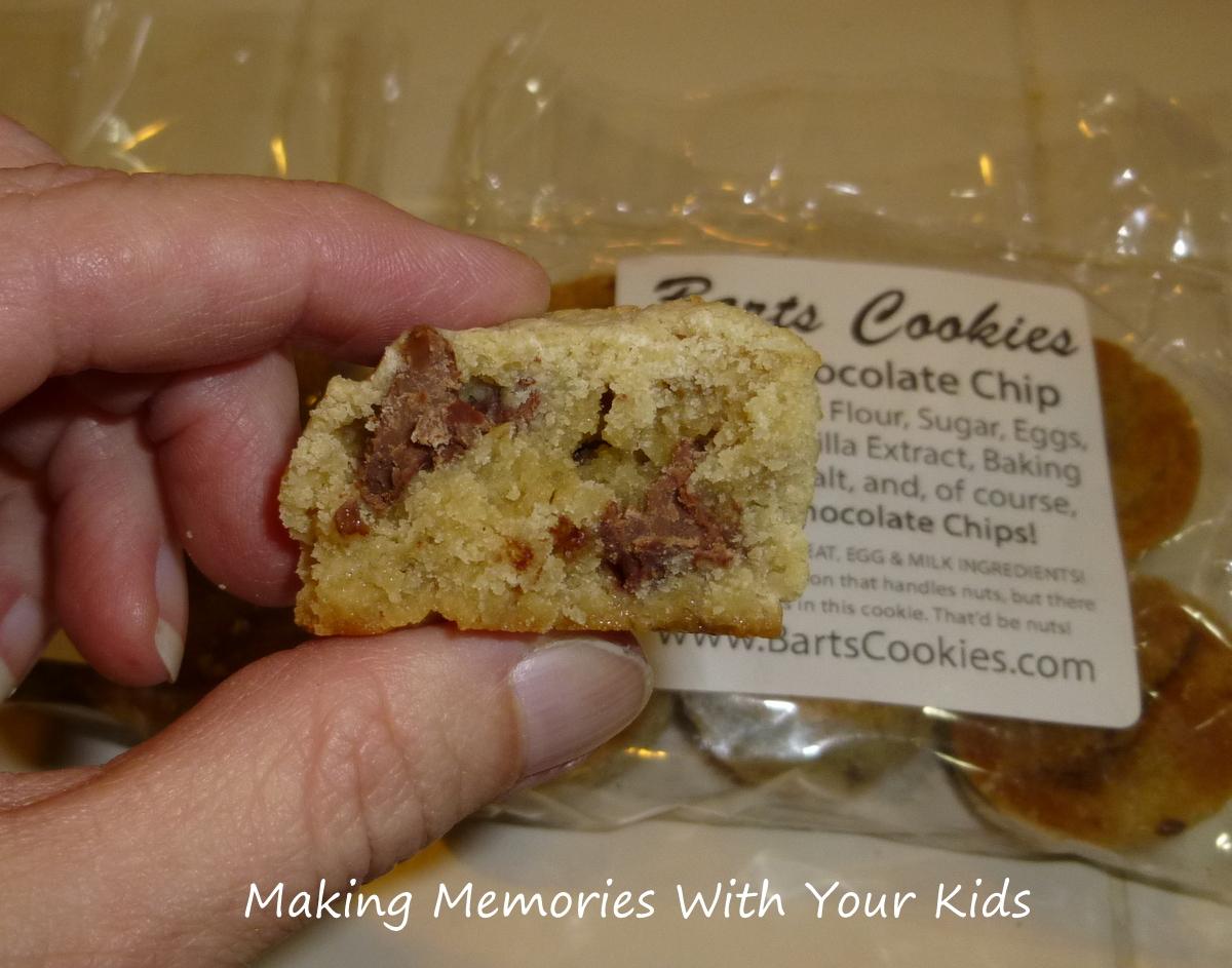 http://2.bp.blogspot.com/-z8PNUvpID6c/UKgy_TSu5KI/AAAAAAAAI7o/H0f0cNYsFZ8/s1600/chocolate+chip+cookies.JPG