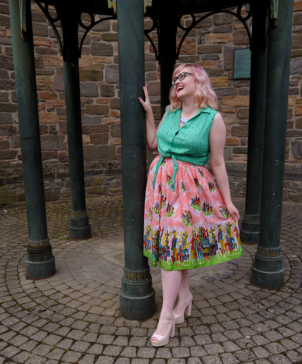 Nicely Eclectic, Dundee bloggers, vintage clothing, Dundee photoshoot location, swing dress, BOB by DOP, H! Henry Holland, modern styling with vintage, pink hair, candy floss hair DIY