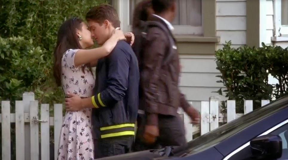 Pretty-Little-Liars-S04E17-Bite-Your-Tongue