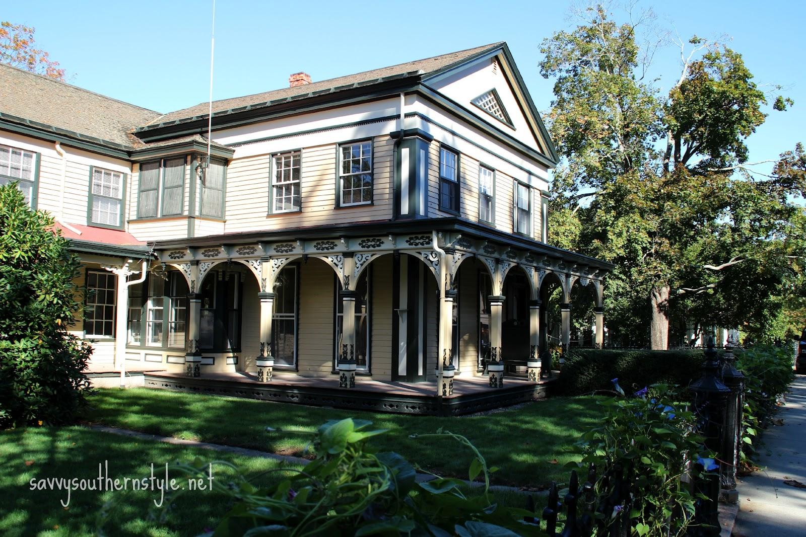 Savvy southern style architecture of beautiful mystic ct for Southern architectural styles