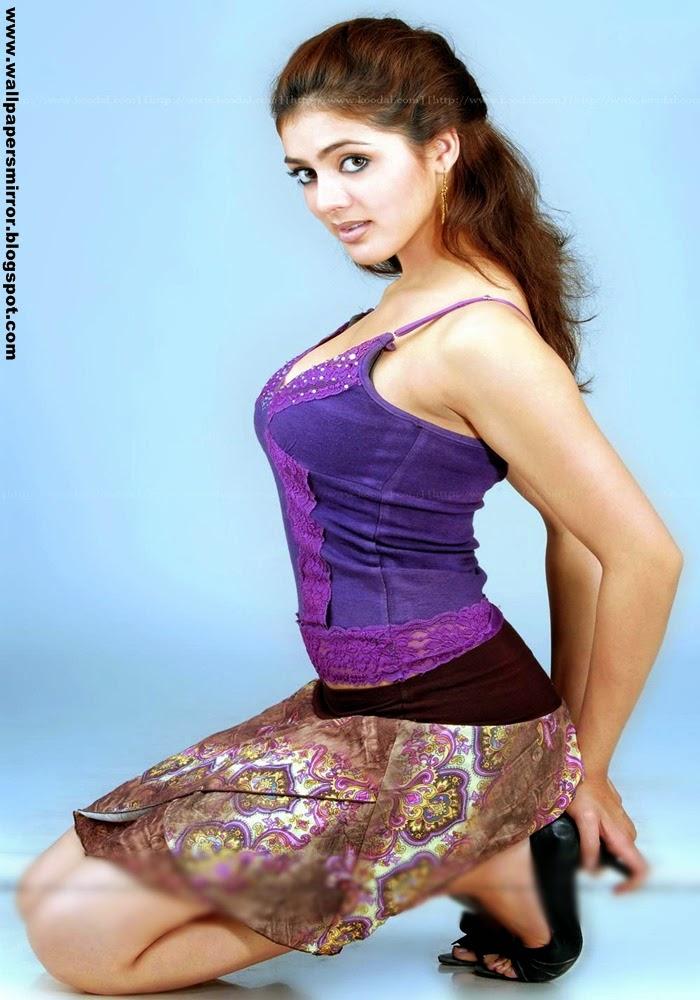 Top 10 south actress Parvathi Milton hot photos