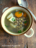 Zupa z zieloną soczewicą i warzywami