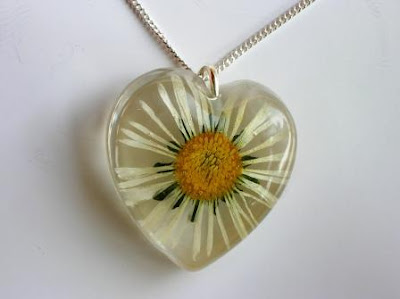 Real pressed daisy flower necklace