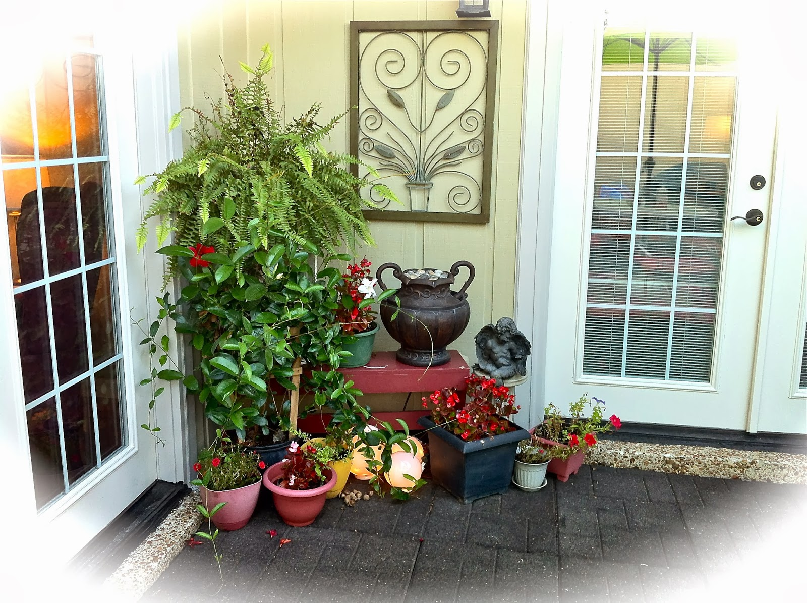 everyday donna how to decorate potted plants with burlap. Black Bedroom Furniture Sets. Home Design Ideas