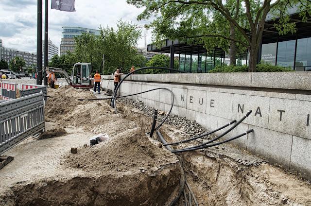 Baustelle Straßenbauarbeiten, Neue Nationalgalerie, Potsdamer Straße 50, 10785 Berlin, 04.06.2014