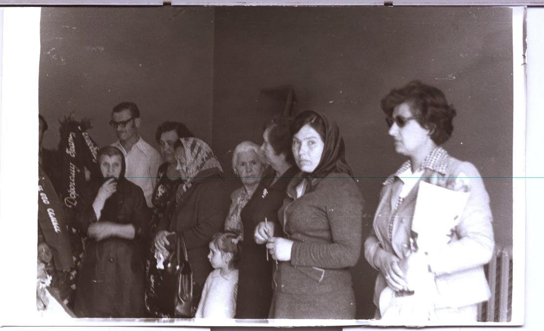 Grandfather Alexei Marcov's funeral, Chisinau,1981, his sister Jenia Markova, Nana,Valentina Vatava