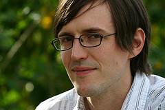Laarry Ewing Pencipta Logo Linux