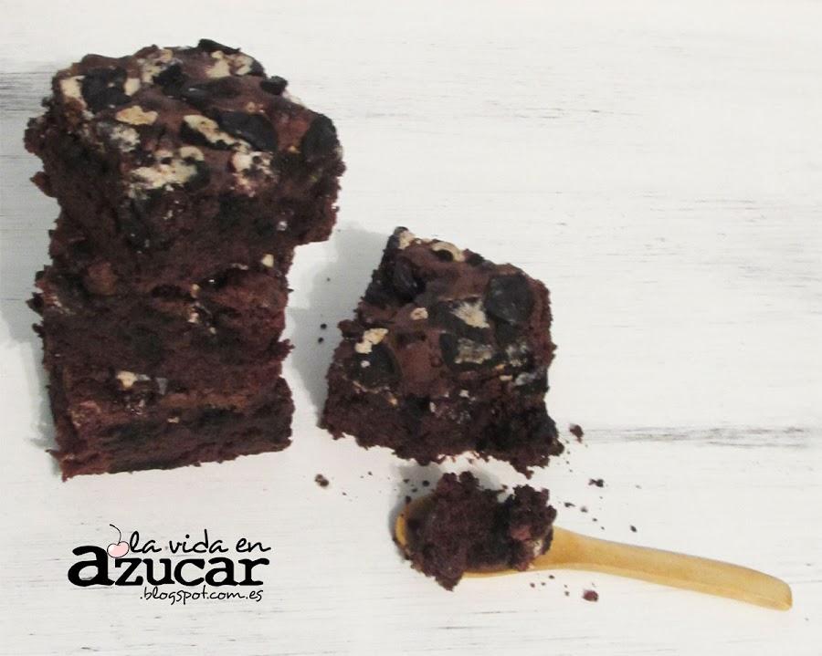 Brownie con galletas Oreo. ¡El doble de placer!