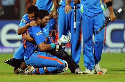 yuvraj singh image - celebrating with indian cricket team after match
