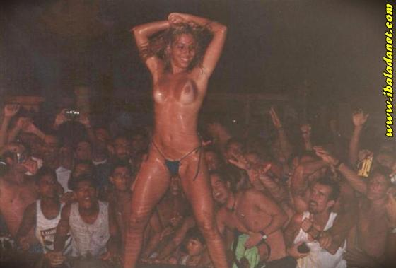001 Flagras, Gostosas e safadas sem roupa no baile funk (fotos e vídeo)