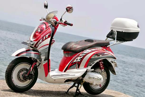 modifikasi motor honda scoopy touring