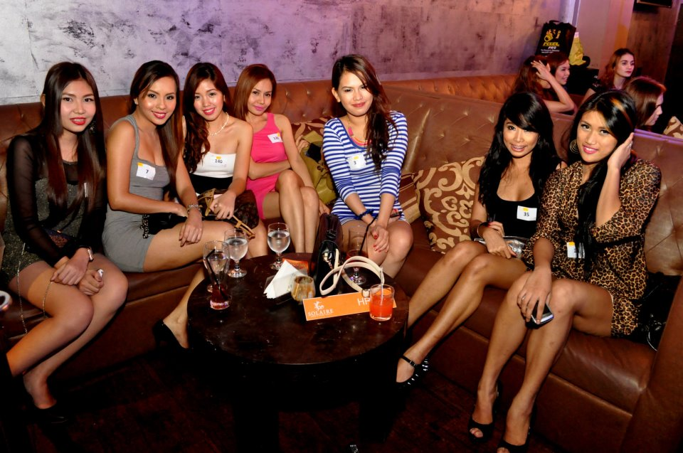 Asia massage from 6 sweet girl lucky guy 6