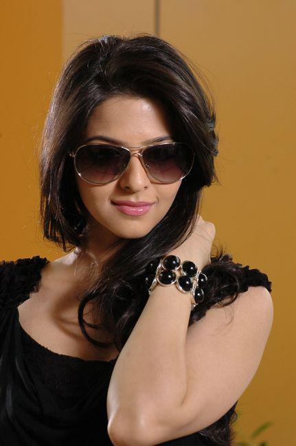 Vedhika in Black Dress Cute Picture Photo Shoot - N/W  Vedika-Hot-Photoshoot-Stills-CF-02