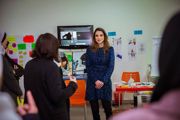 Queen Rania of Jordan visited Sanabel Al-Khair Society for Social Development in Al Hashmi Al Shamali on Monday to support its efforts in empowering youth and women in local communities in Amman