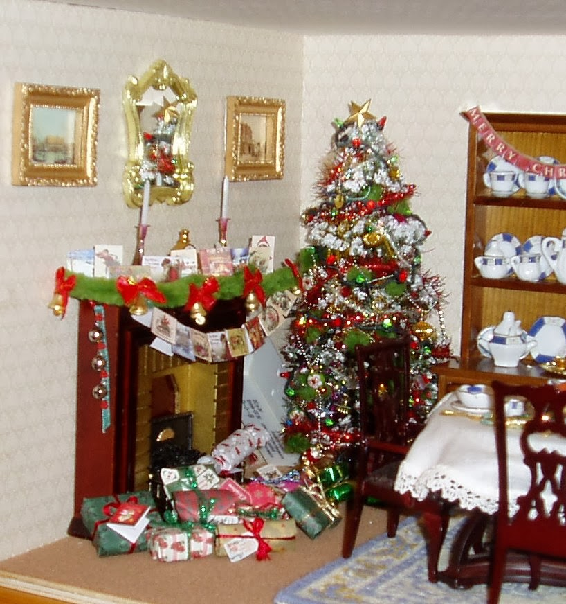 christmas dining room box - Christmas Decorations For American Girl Dolls