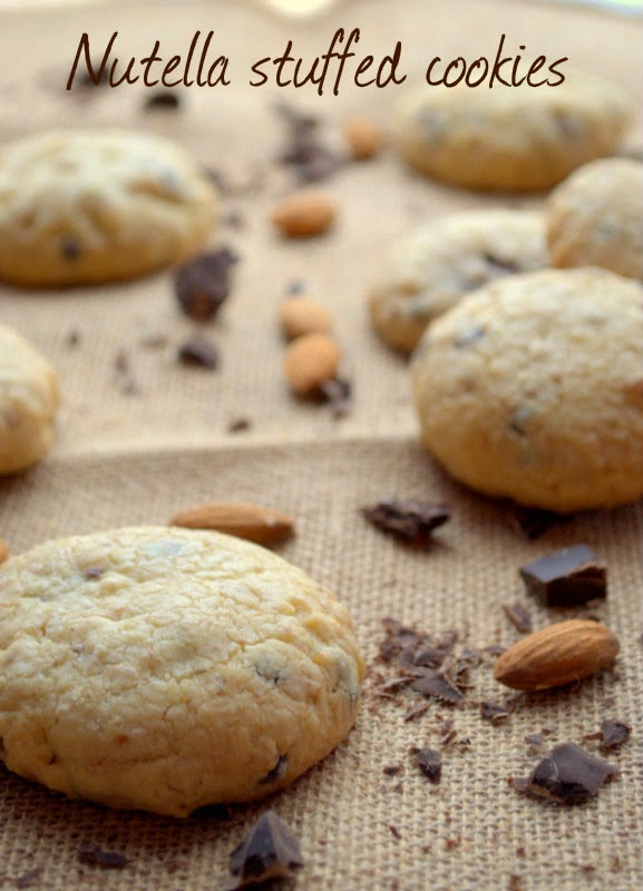 nutella stuffed cookies - biscotti ripieni di nutella