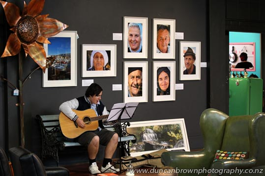 Cafe entertainment at Photographers' Gallery Hawke's Bay, Tennyson St, Napier photograph