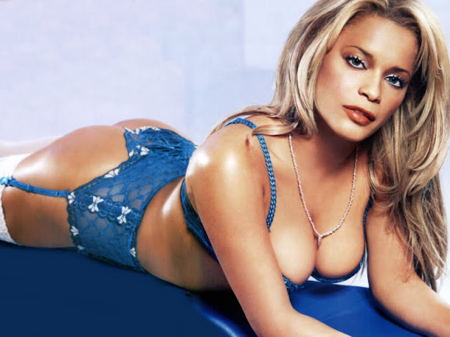 Blu Cantrell sexy in lingerie