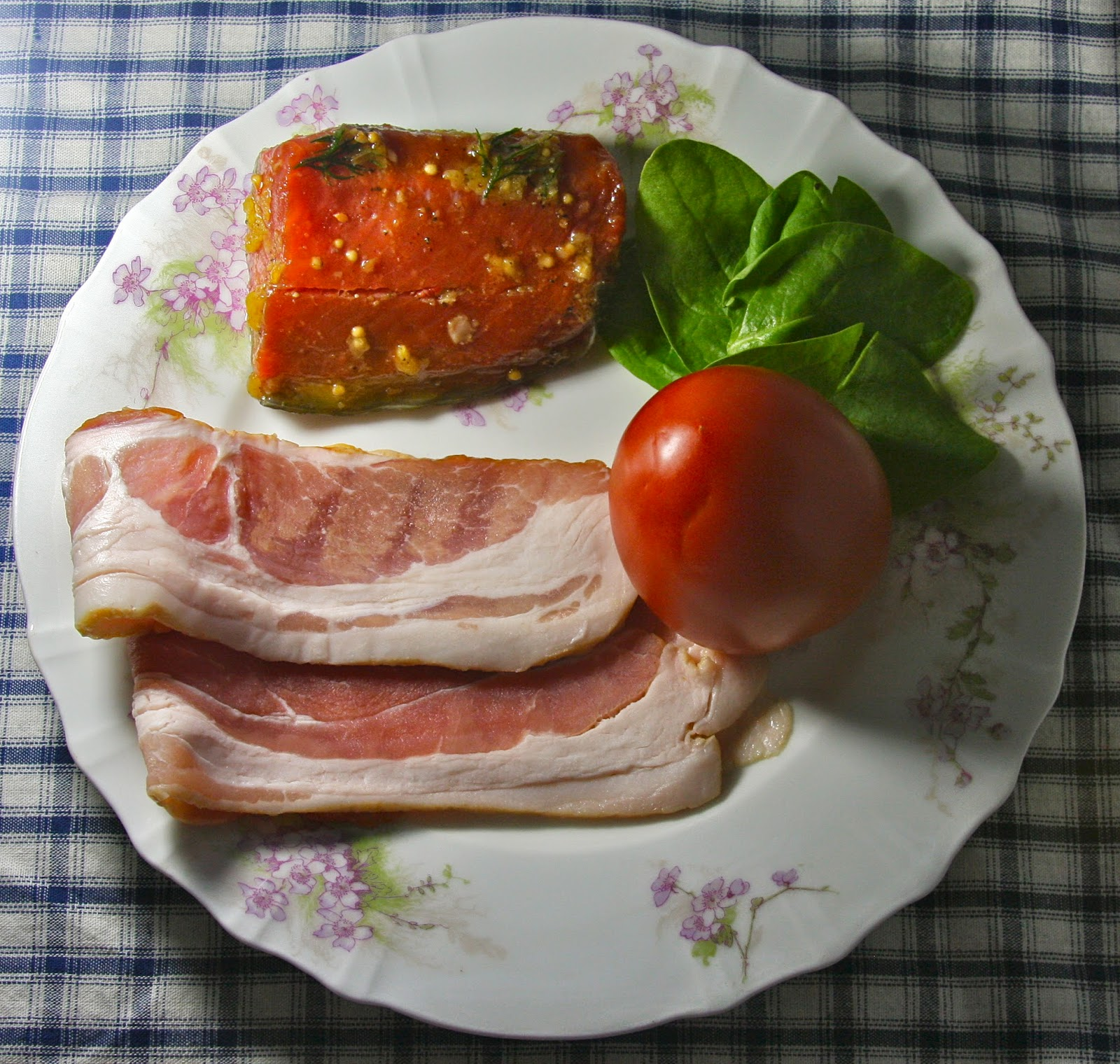 fresh salmon, bacon, spinach and tomatoes