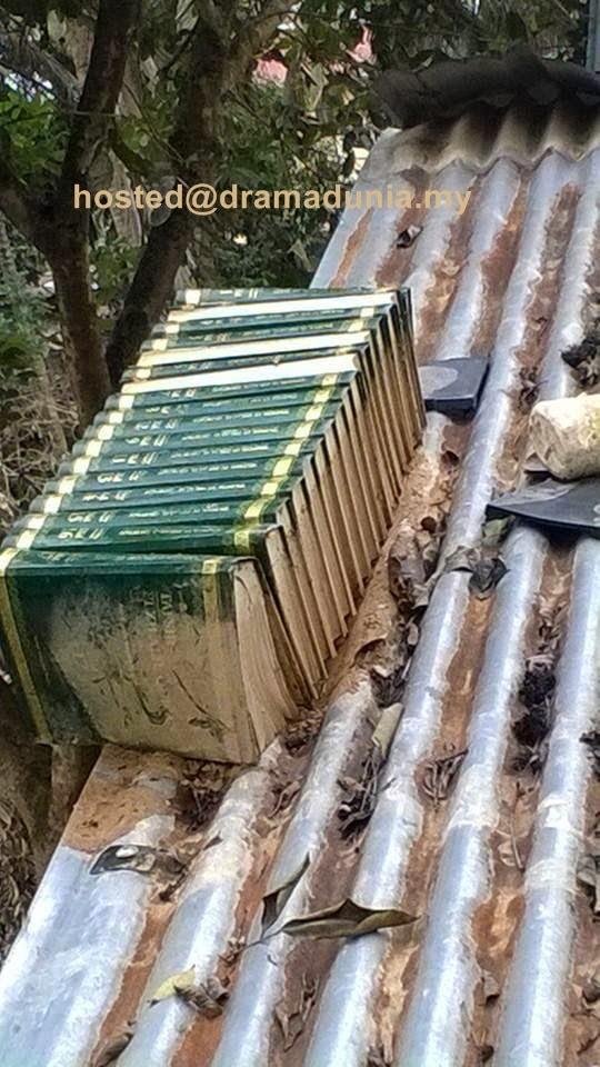30 Juzuk Al Quran Tersusun Cantik Atas Bumbung Ketika Bah Besar Landa Kuala Krai