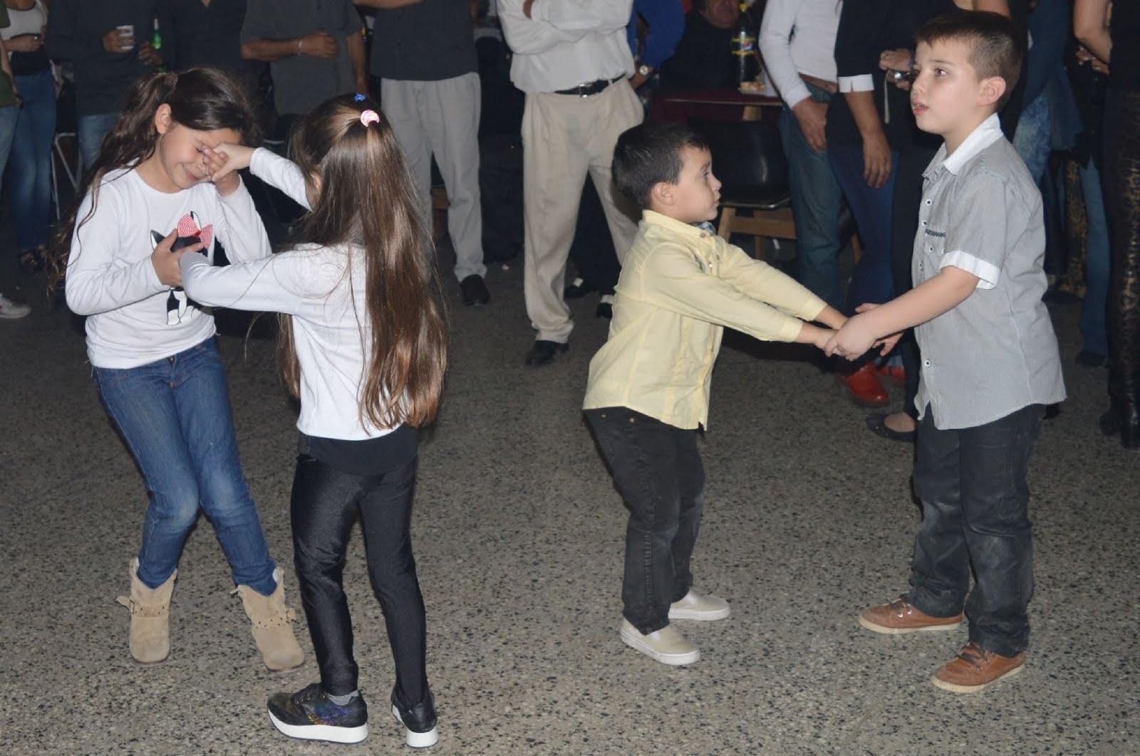 los niños tambien bailan