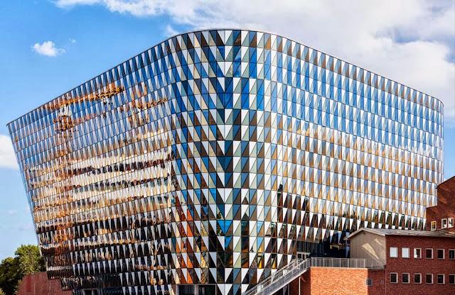 05-Karolinska-Institutet-Aula-Medica-by-Wingårdh-Architects