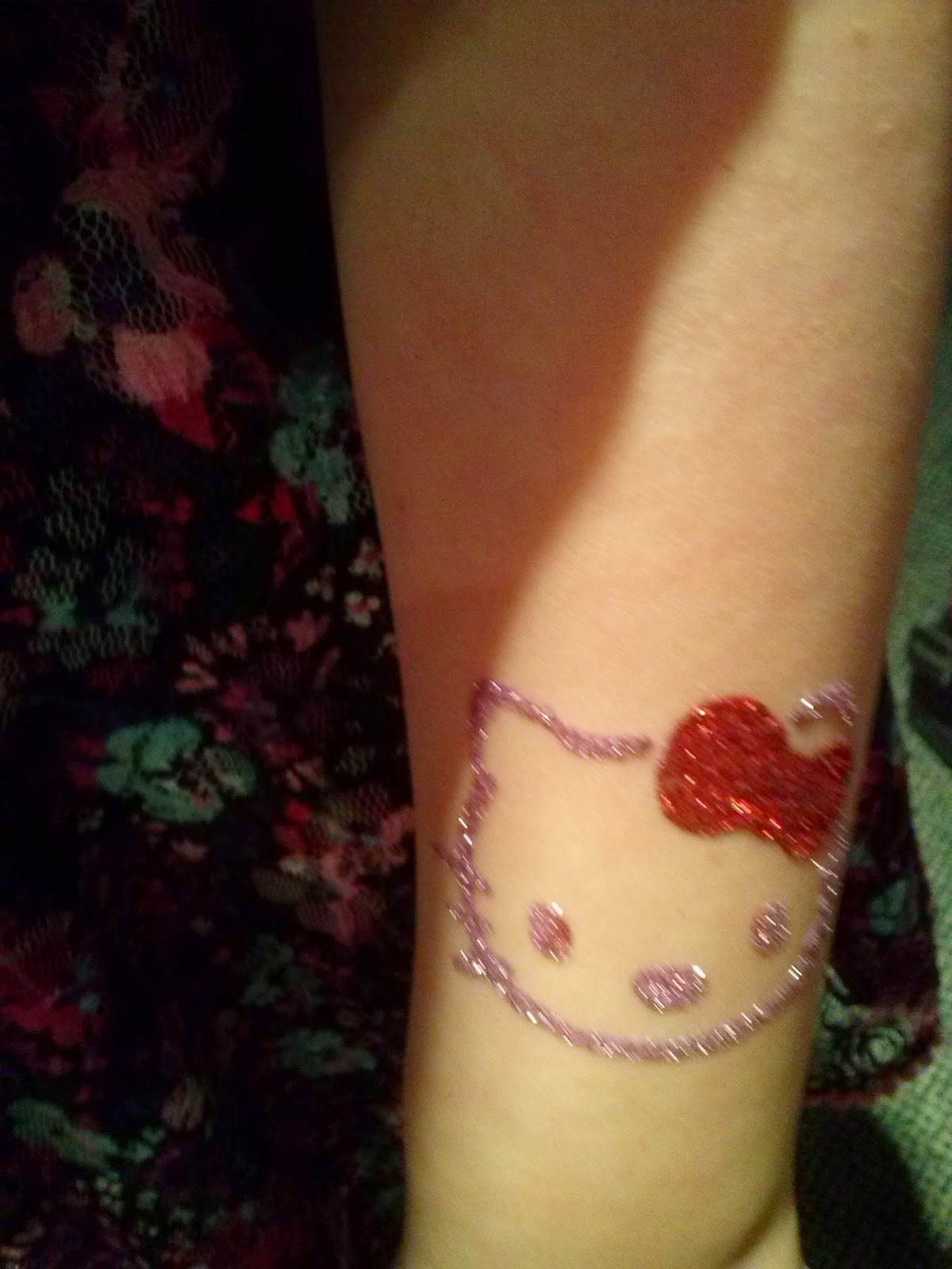 Hello Kitty Glitter Tattoo