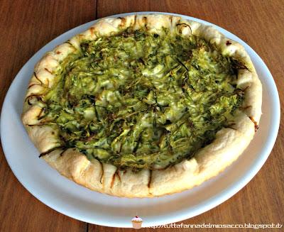 torta salata di ricotta e biete con riccioli di zucchine