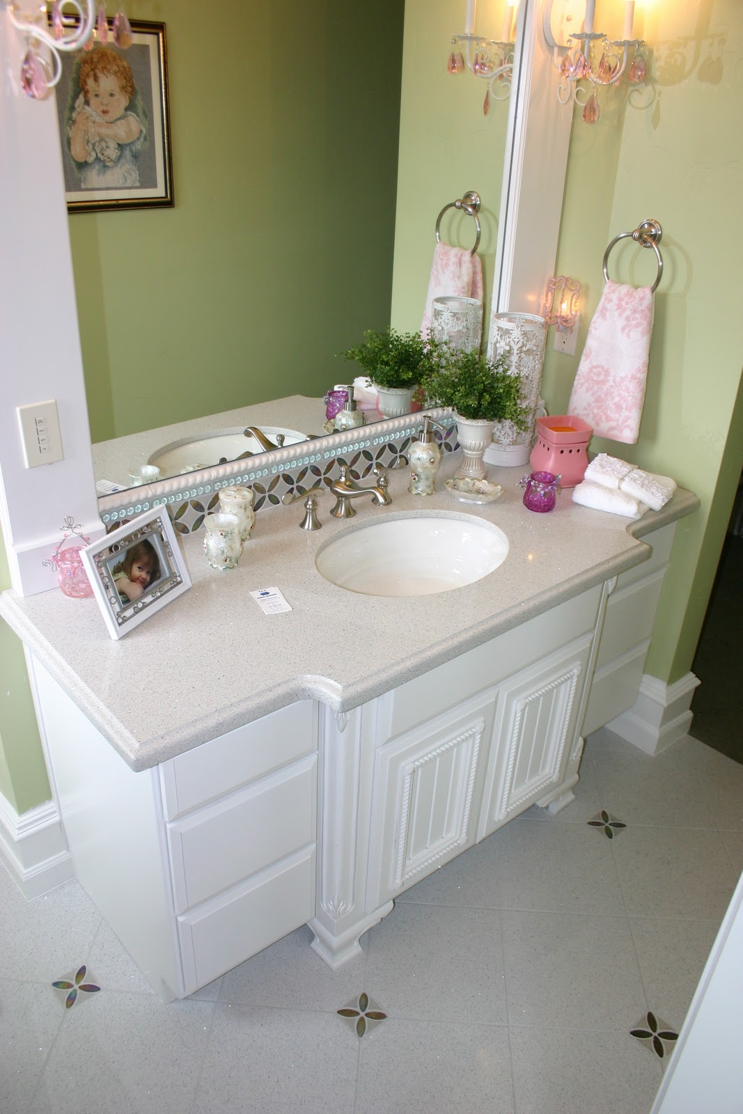 The granite gurus faq friday how should i use pink in a for Bathroom photos of ladies