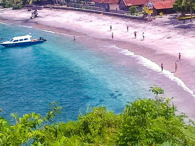 View Pantai Full Pasir Putuh yang Alami