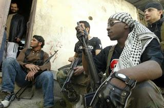 Israel Segue em Frente, Mundo Árabe Preso no Passado