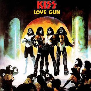 kiss-love_gun-frontal.jpg