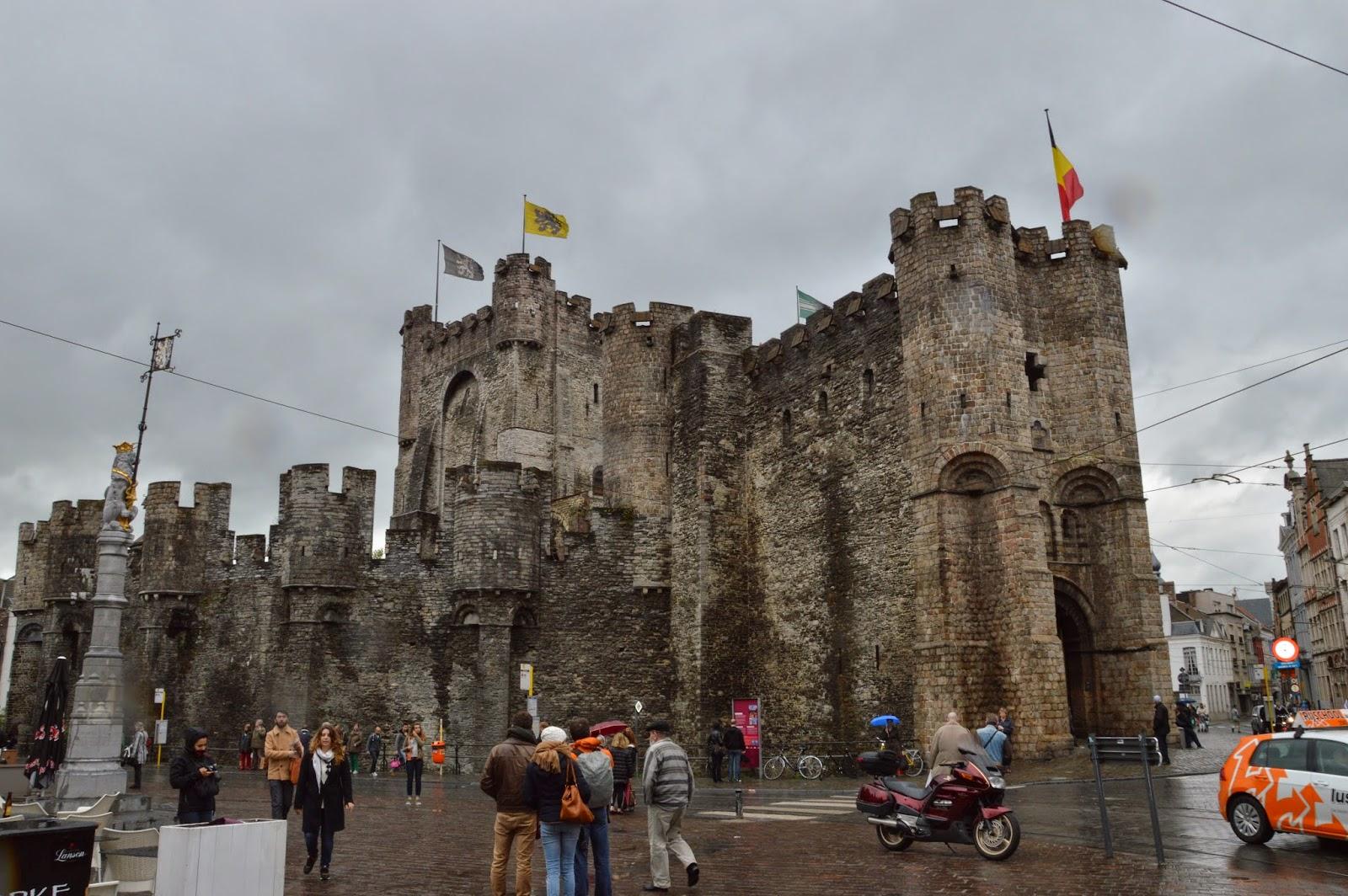 Castello dei conti - Gravesteen
