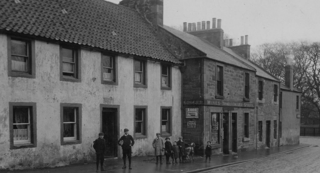 Tour scotland photographs old photograph duddingston for Classic house edinburgh