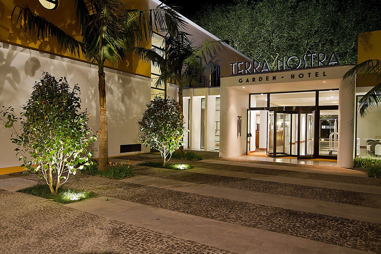 Terra nostra garden hotel vence pr mio de portugal s for Leading small hotels