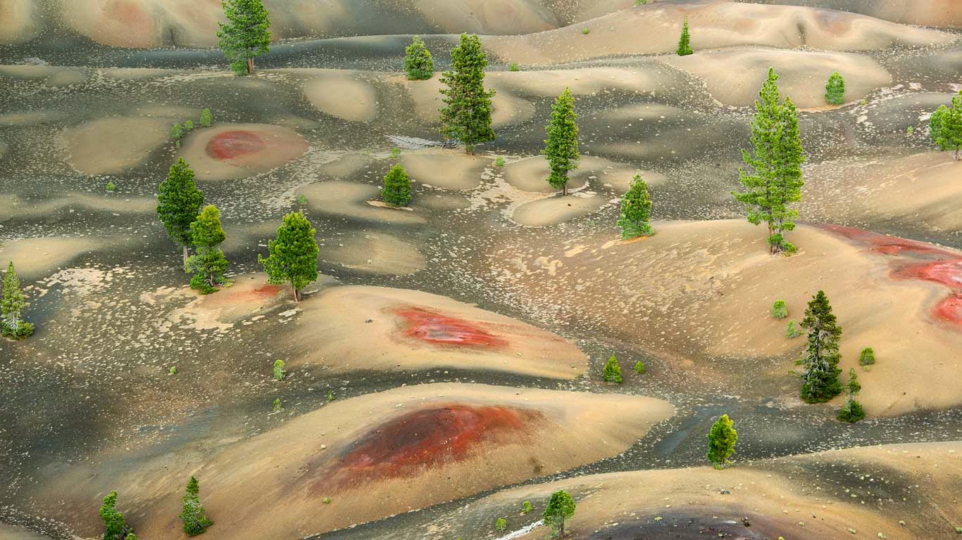 Painted Dunes below Cinder Cone, Lassen Volcanic National Park, California (© Kevin Schafer/Minden Pictures) 26