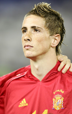 Coach Vicente Del Bosque Cross Out Torres from Spain Squad
