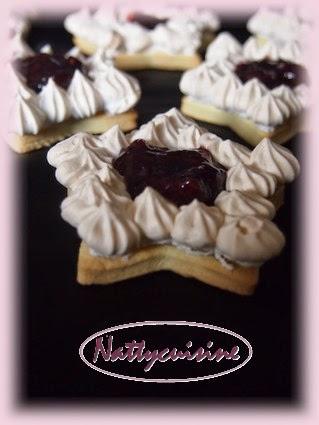 http://nattycuisine.over-blog.com/article-etoile-meringue-a-la-confiture-quatre-fruit-st-dalfour-116679487.html