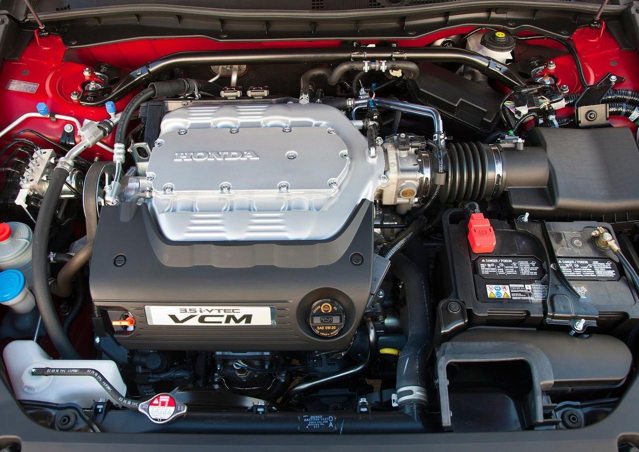 http://2.bp.blogspot.com/-zD7Z-2LKyzs/TmSqHoj0P5I/AAAAAAAAAqM/4YpaAmFM6lU/s1600/Honda-Accord-Coupe-2011-Engine-Wallpaper.jpg