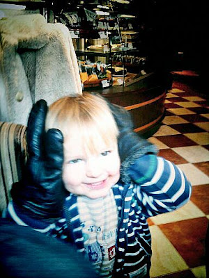 big gloves small child