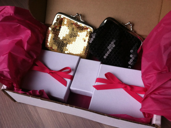 Dazzley Box - December 2012 Review - Women's Monthly Jewelry Subscription Boxes