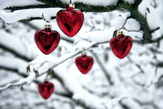 http://2.bp.blogspot.com/-zDNnTz4N6pY/TukL_c_4CcI/AAAAAAAACSY/2EZ3pbu2KU4/s1600/Christmas_Hearts.jpg