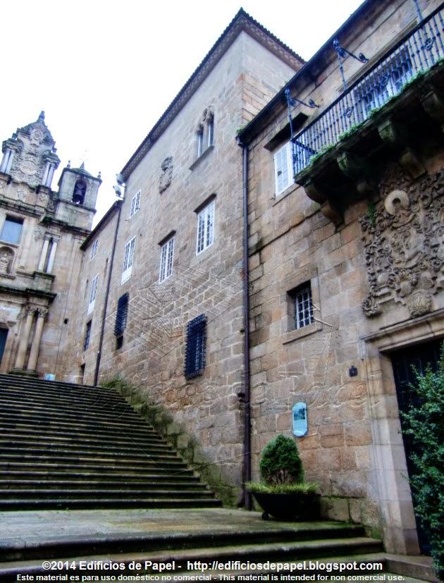 Las escaleras conducen a Santa María Madre