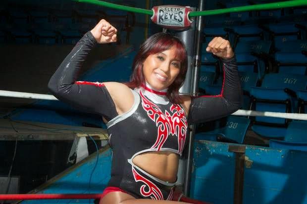 Marcela guerrera dentro y fuera del ring