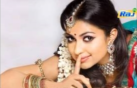 "Mumbai Actress Ragini Nandwani Plays The Pair In Vijay in ""Thalaivaa"" Film"