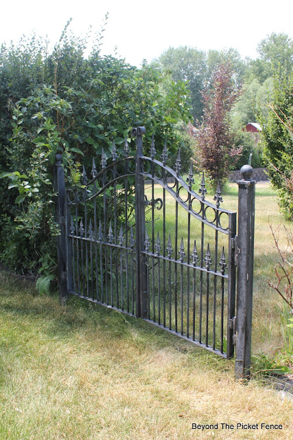 gate, iron fence, schoolhouse, my old house, beyond the picket fence, http://bec4-beyondthepicketfence.blogspot.com/2015/07/before-projects-galore-in-my-old.html