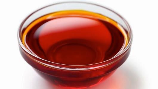 Tự chế tinh dầu gấc trị nám da hiệu quả